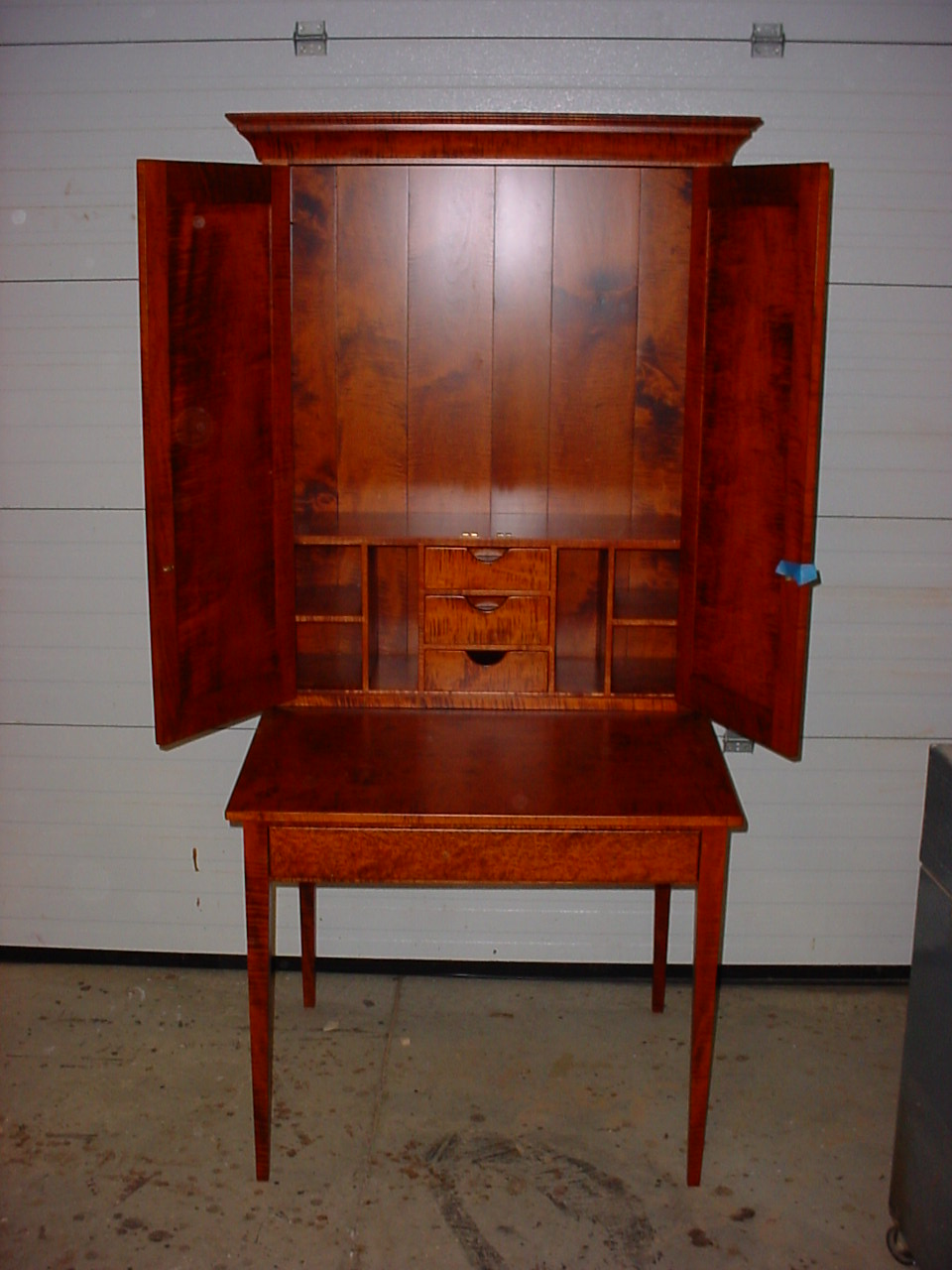kloes, custom, woodwork, cupboard, cabinet, tables, furniture